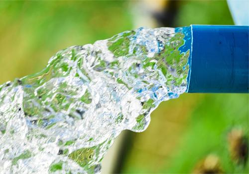 Водяной насос для водопровода